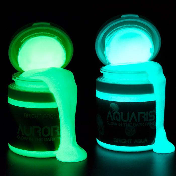 Aurora & Aquaris Bottles Open